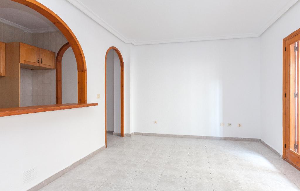 Piso en venta en Torrevieja, Alicante, Calle los Gases, 72.500 €, 1 habitación, 1 baño, 56 m2