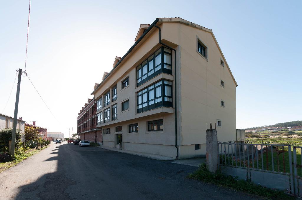 Piso en venta en Fisterra, A Coruña, Calle Escaselas, 70.000 €, 3 habitaciones, 2 baños, 163 m2