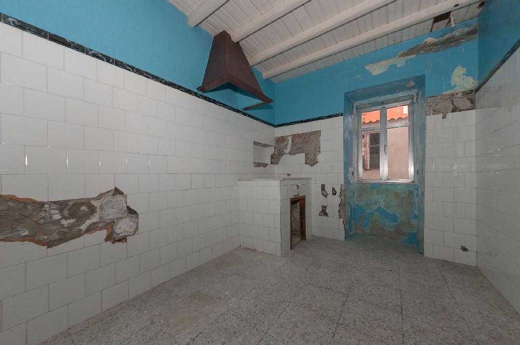 Casa en venta en Ribeira, A Coruña, Calle Montevixan, 14.000 €, 2 habitaciones, 1 baño, 108 m2