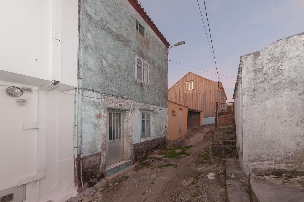 Casa en venta en Ribeira, A Coruña, Calle Montevixan, 40.000 €, 3 habitaciones, 1 baño, 108 m2