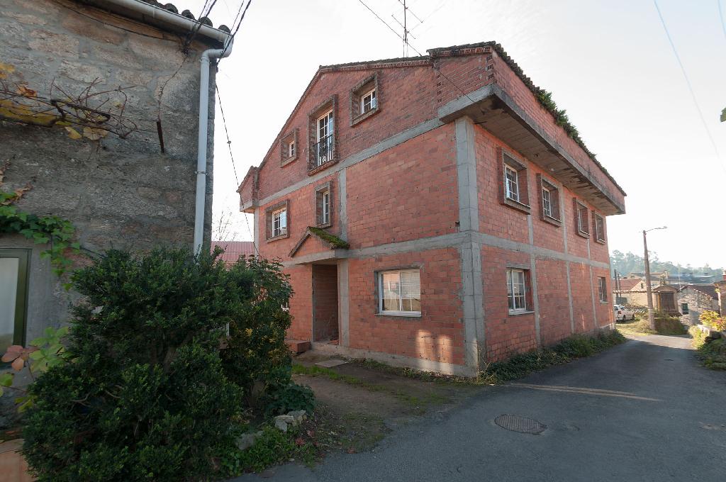 Casa en venta en Teo, A Coruña, Calle Fonte, 108.500 €, 5 habitaciones, 5 baños, 208 m2