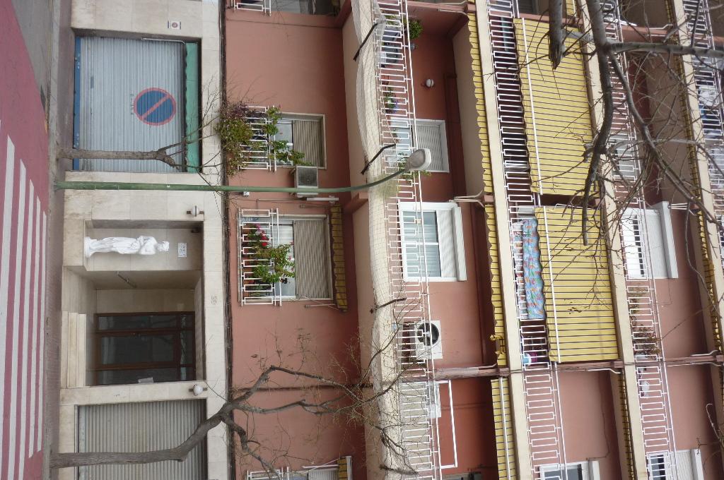 Local en venta en Esplugues de Llobregat, Barcelona, Calle Manuel de Falla, 117.500 €, 95 m2
