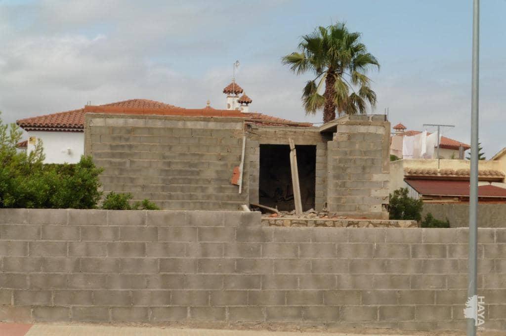 Casa en venta en Mont-roig del Camp, Tarragona, Calle Illes Canàries (de Les), 175.200 €, 3 habitaciones, 2 baños, 126 m2