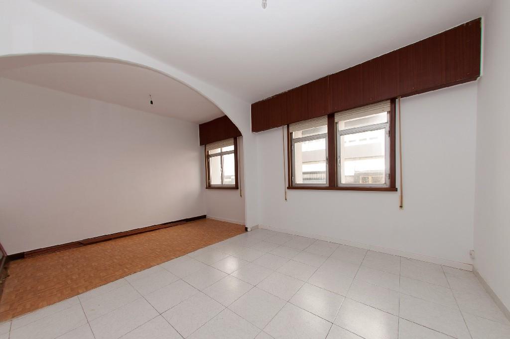 Piso en venta en A Coruña, A Coruña, Calle Antonio Pedreira, 90.500 €, 2 habitaciones, 1 baño, 74 m2