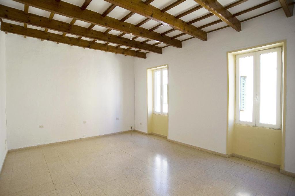 Piso en venta en Mahón, Baleares, Calle del Carme, 116.000 €, 2 habitaciones, 1 baño, 138 m2