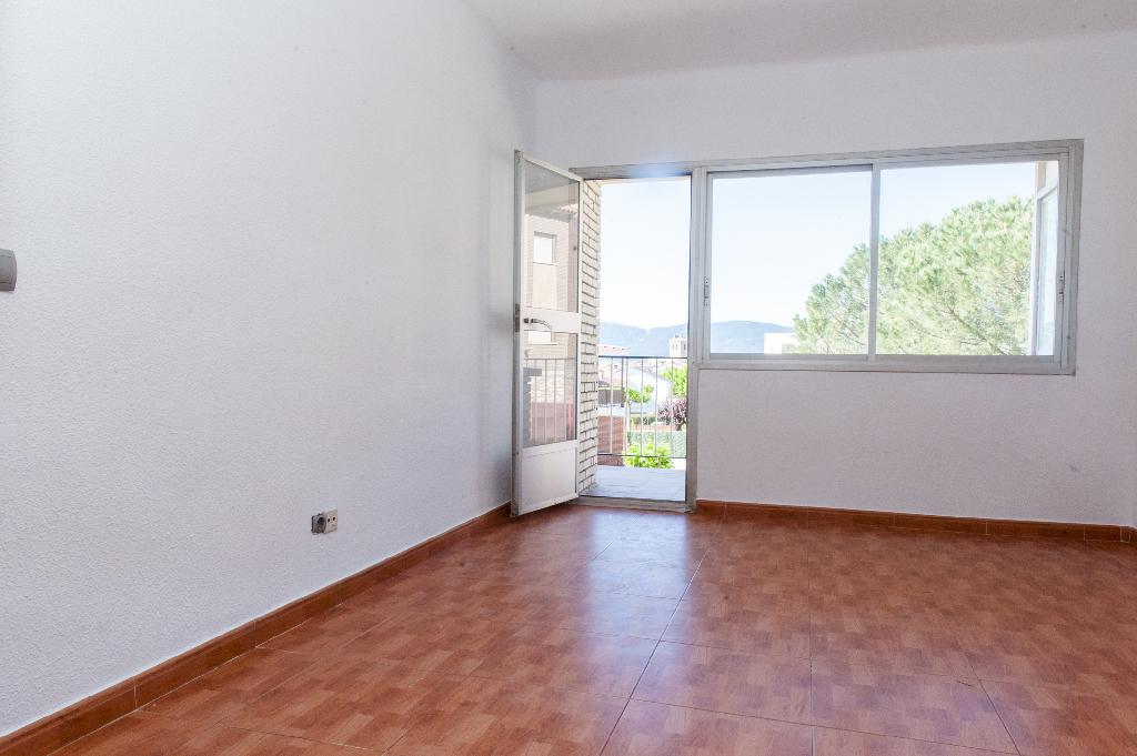 Piso en venta en Cebreros, Ávila, Calle Co Villablanca, 51.000 €, 3 habitaciones, 1 baño, 102 m2