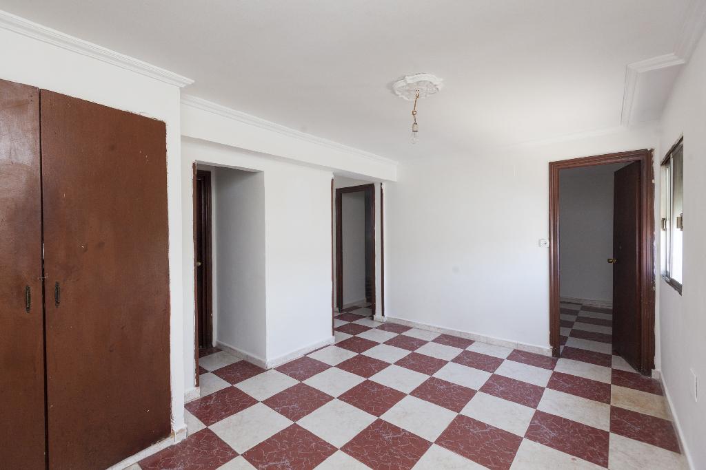 Piso en venta en Sevilla, Sevilla, Calle Sauce, 18.500 €, 2 habitaciones, 1 baño, 48 m2