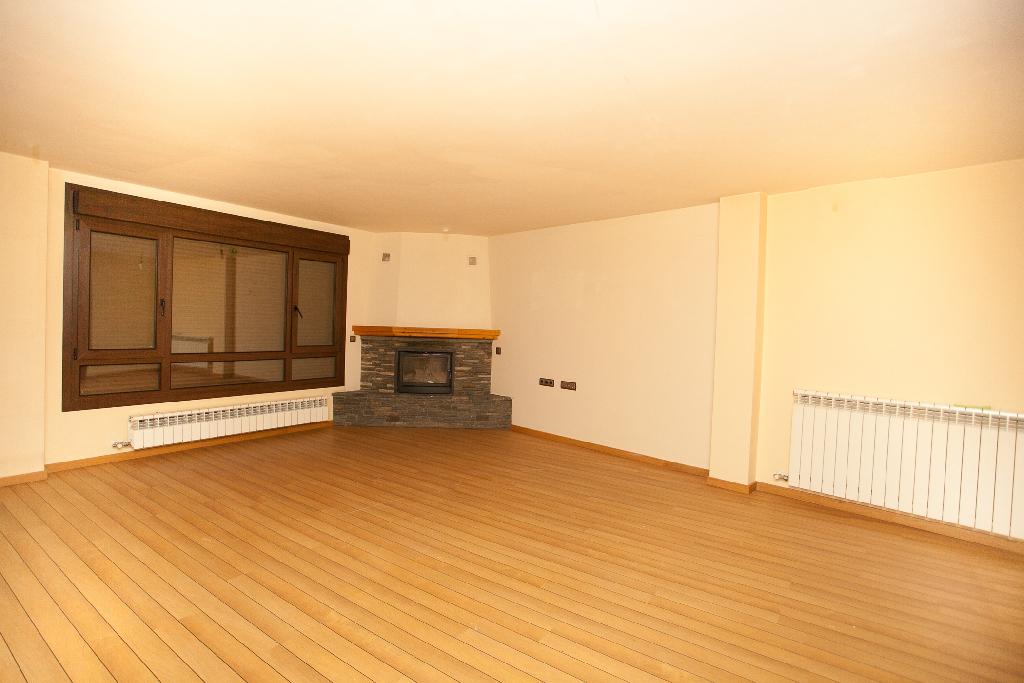 Casa en venta en Montanuy, Huesca, Calle Aire, 120.000 €, 3 habitaciones, 3 baños, 182 m2