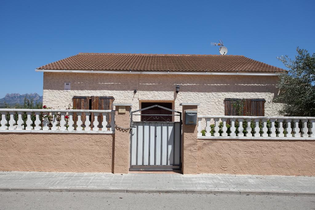Casa en venta en Piera, Barcelona, Calle Assutzena, 180.500 €, 3 habitaciones, 1 baño, 273 m2