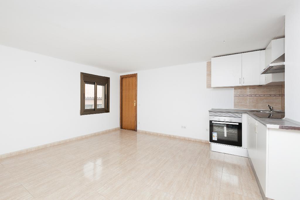Piso en venta en Monistrol de Montserrat, Barcelona, Calle Flautats, 31.500 €, 1 habitación, 1 baño, 40 m2