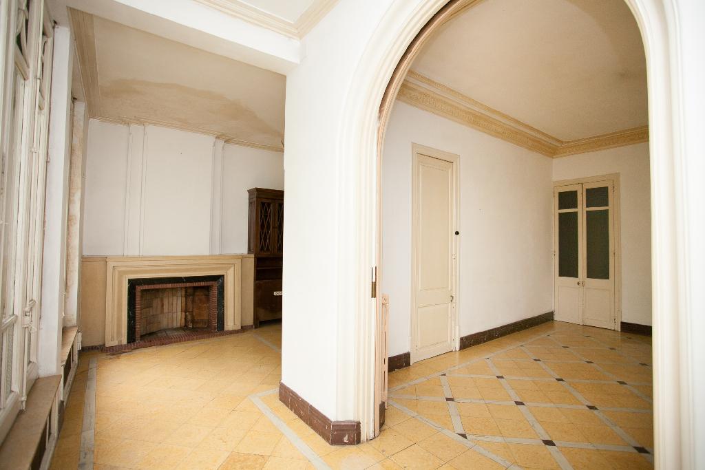 Piso en venta en Manresa, Barcelona, Calle Hospital, 120.000 €, 2 habitaciones, 2 baños, 158 m2