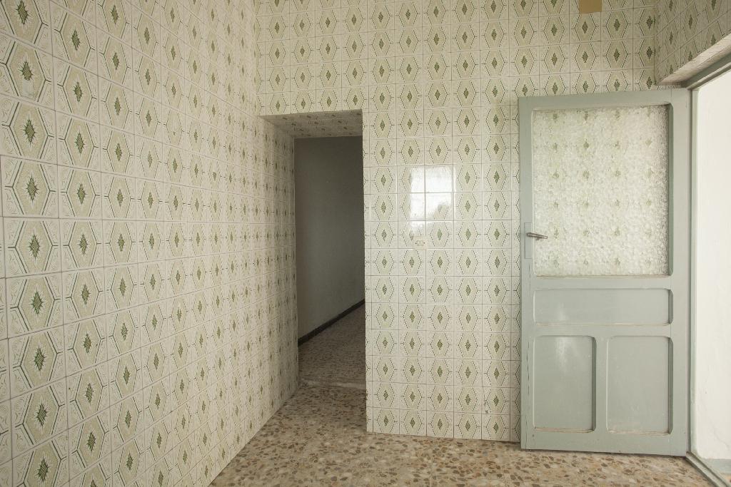 Casa en venta en Los Santos de Maimona, Badajoz, Calle Comendador, 40.000 €, 2 habitaciones, 1 baño, 126 m2