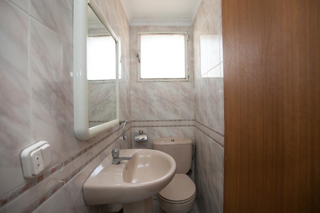Piso en venta en Piso en Fabero, León, 13.000 €, 5 habitaciones, 2 baños, 105 m2