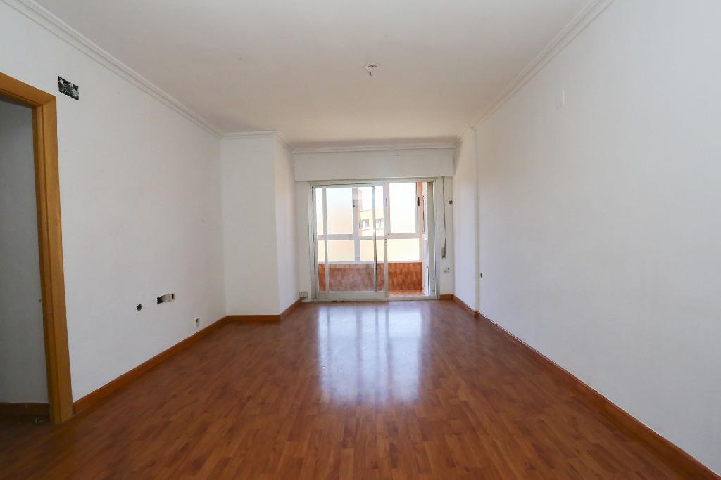 Piso en venta en Albacete, Albacete, Calle Hermanos Quintero, 105.000 €, 4 habitaciones, 2 baños, 105 m2