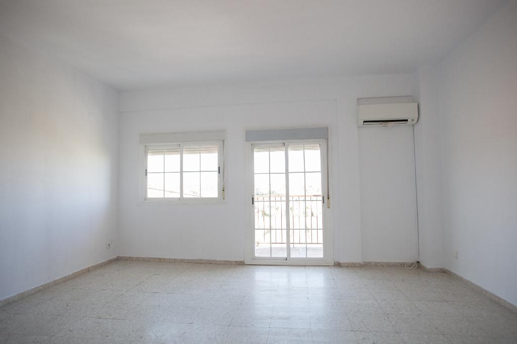 Piso en venta en Mérida, Badajoz, Calle Pontezuelas, 30.500 €, 3 habitaciones, 2 baños, 91 m2