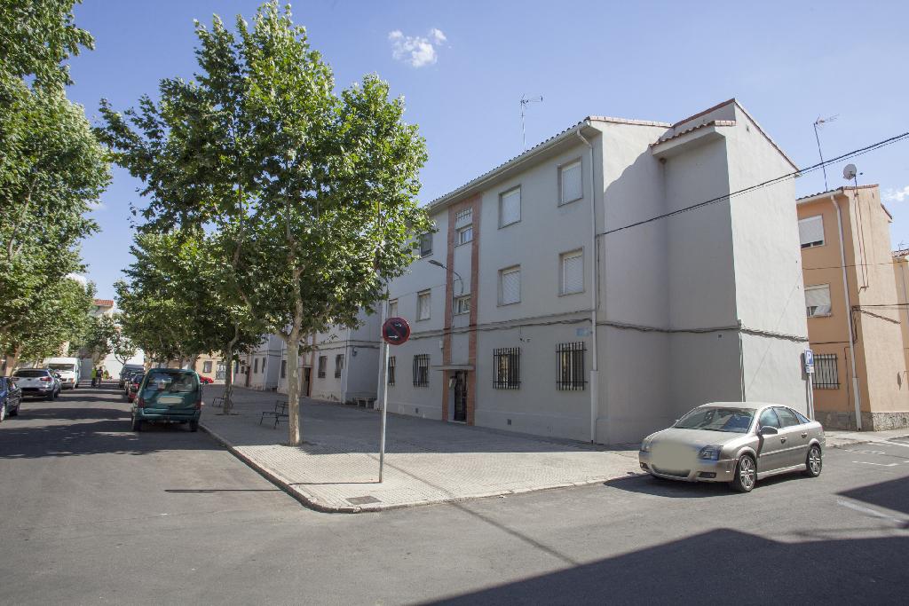 Piso en venta en Villanueva de la Serena, Badajoz, Calle Entrerrios, 34.000 €, 3 habitaciones, 1 baño, 60 m2