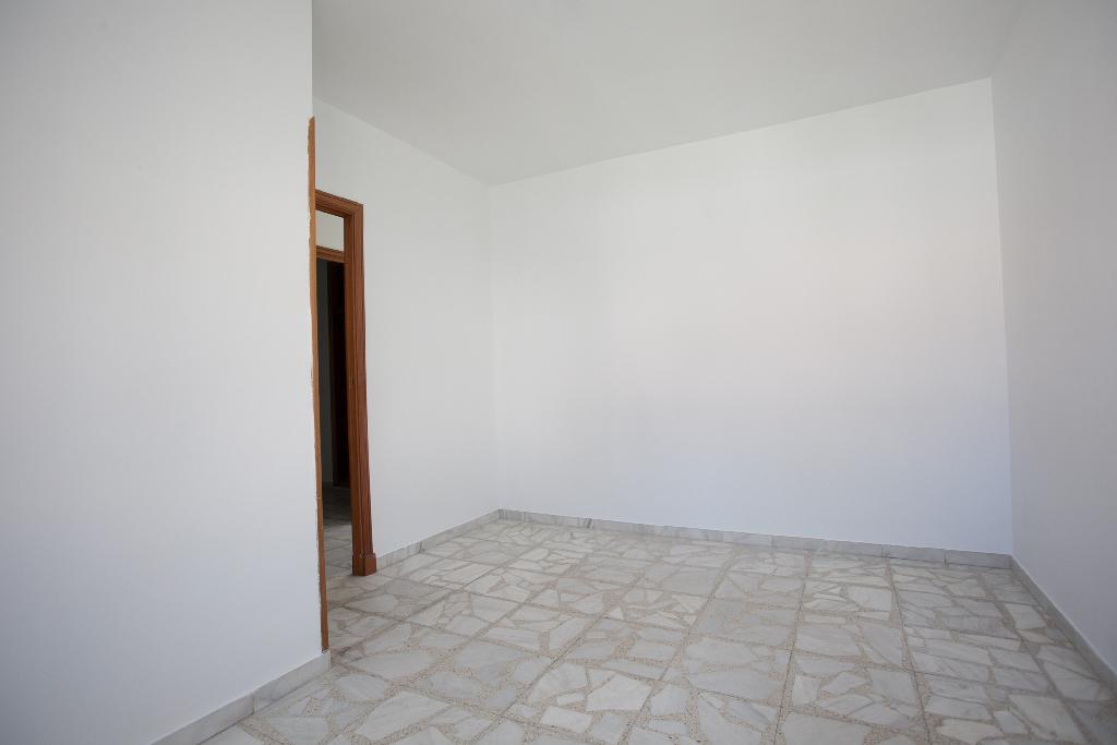 Piso en venta en Las Navas del Marqués, Ávila, Avenida Paco Segovia, 23.000 €, 3 habitaciones, 1 baño, 61 m2