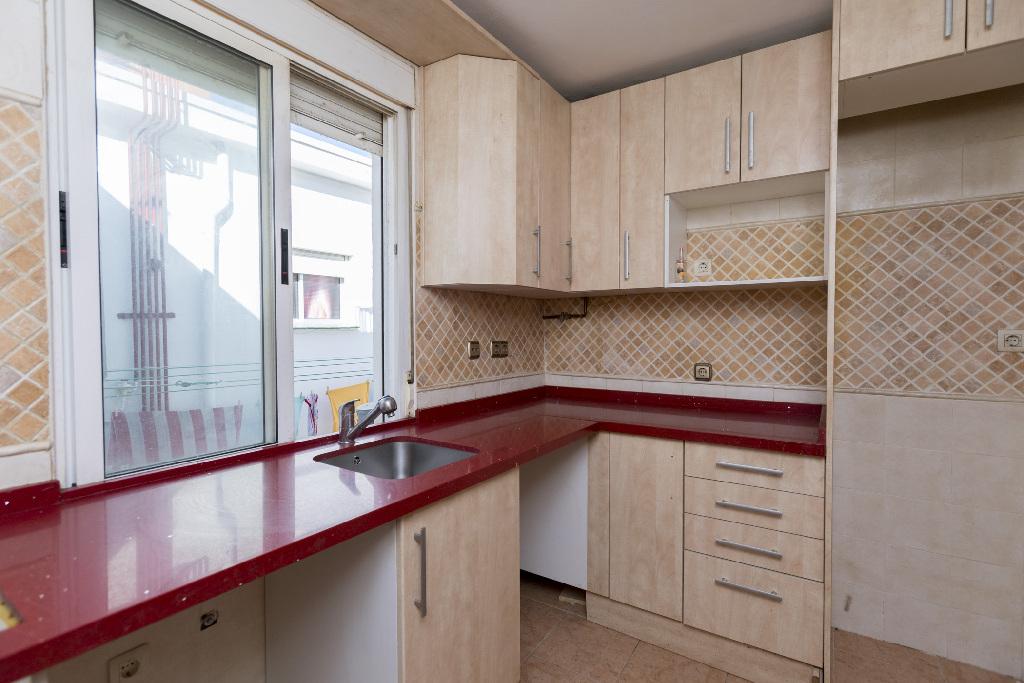 Piso en venta en Valladolid, Valladolid, Calle Faisan, 40.000 €, 3 habitaciones, 1 baño, 83 m2
