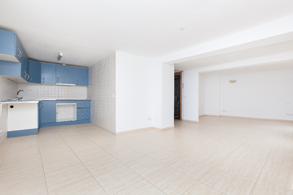 Piso en venta en Manresa, Barcelona, Calle Aiguader, 36.000 €, 1 habitación, 1 baño, 60 m2