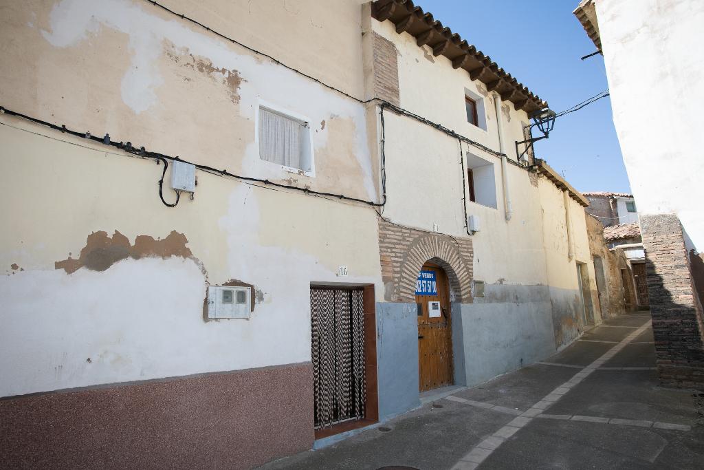 Casa en venta en Tarazona, Zaragoza, Calle Magnate, 14.000 €, 3 habitaciones, 2 baños, 141 m2