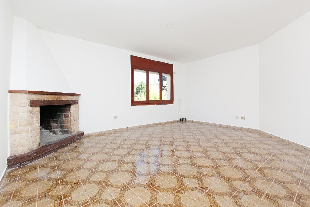Piso en venta en Torrelles de Foix, Barcelona, Carretera Pontons, 52.000 €, 3 habitaciones, 1 baño, 97 m2