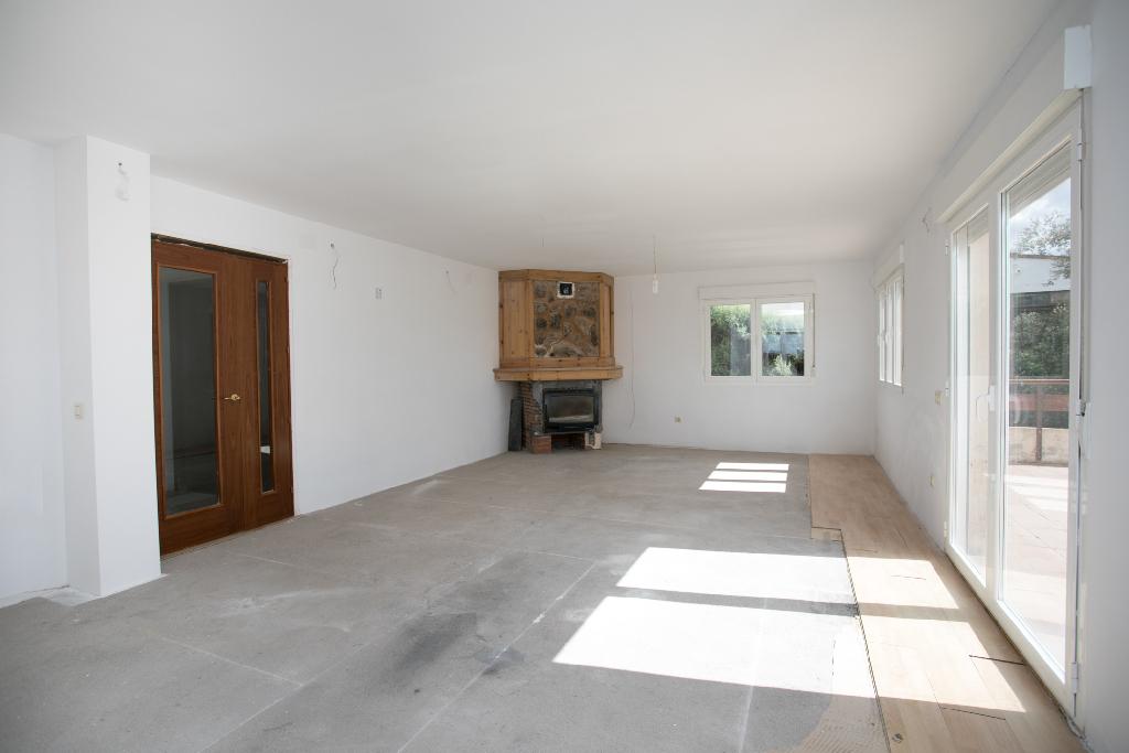 Casa en venta en El Espinar, Segovia, Calle Napoles, 110.000 €, 2 habitaciones, 1 baño, 240 m2