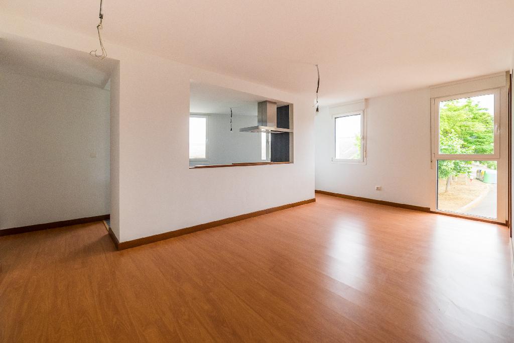 Piso en venta en Los Arcos, Navarra, Calle Mayor, 45.000 €, 3 habitaciones, 1 baño, 83 m2