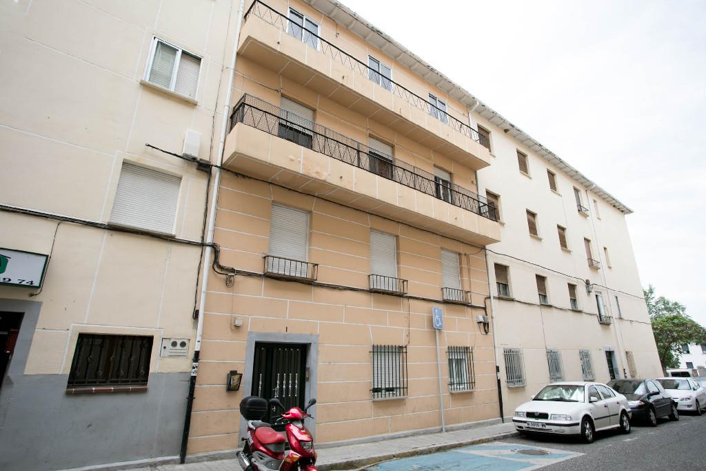 Piso en venta en Ávila, Ávila, Calle Juan de Arfe, 49.000 €, 3 habitaciones, 1 baño, 97 m2