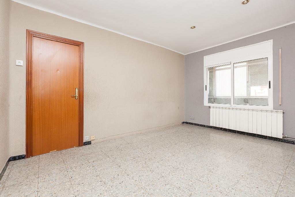 Piso en venta en Manresa, Barcelona, Carretera Santpedor, 84.000 €, 3 habitaciones, 1 baño, 75 m2