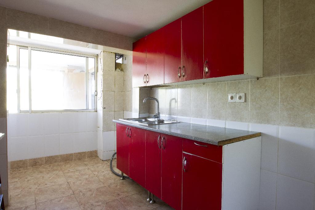 Piso en venta en Tarragona, Tarragona, Avenida Pins, 26.000 €, 2 habitaciones, 1 baño, 72 m2