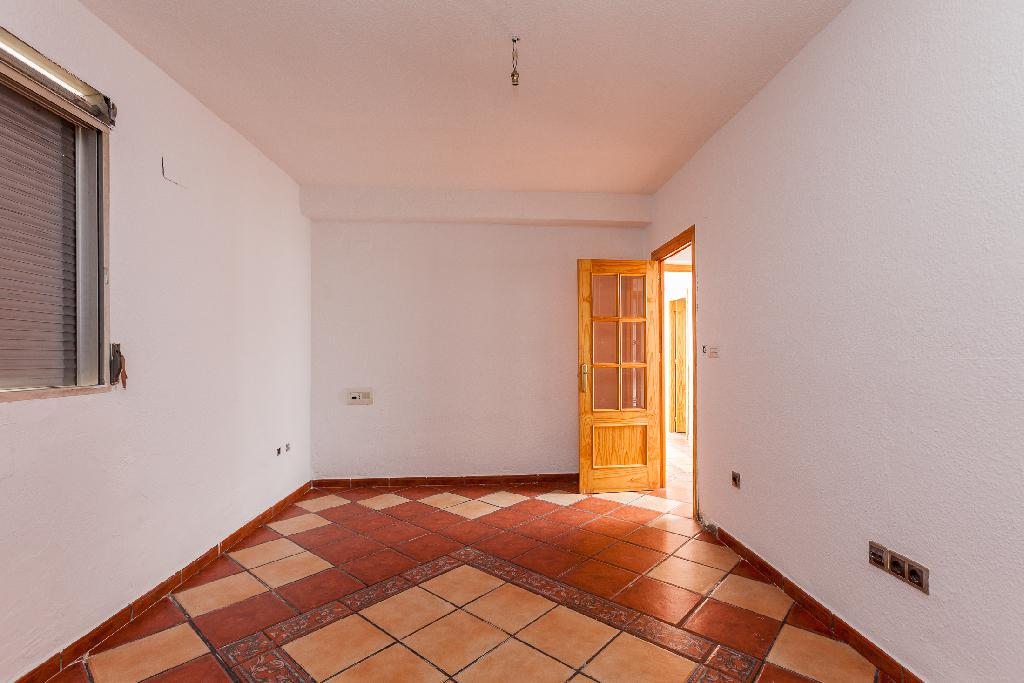 Casa en venta en Atarfe, Granada, Calle Violeta, 58.000 €, 4 habitaciones, 1 baño, 84 m2