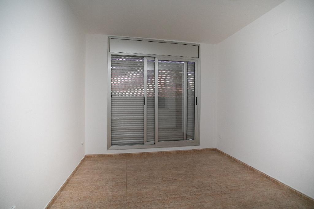 Piso en venta en Tarragona, Tarragona, Calle Comte de Llars, 50.000 €, 2 habitaciones, 1 baño, 45 m2