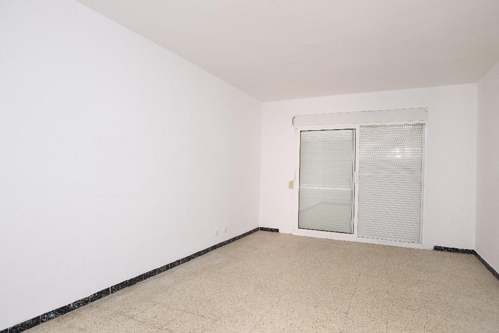 Piso en venta en Tarragona, Tarragona, Urbanización Riu Clar, 42.000 €, 3 habitaciones, 1 baño, 89 m2