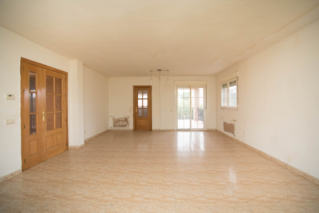 Casa en venta en Torrejón del Rey, Guadalajara, Calle Rio Tajuña, 144.500 €, 6 habitaciones, 2 baños, 220 m2