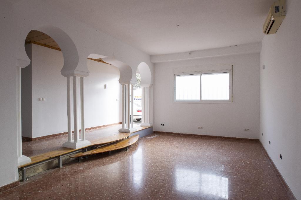 Piso en venta en Tarragona, Tarragona, Calle Sant Jordi, 117.000 €, 4 habitaciones, 2 baños, 146 m2