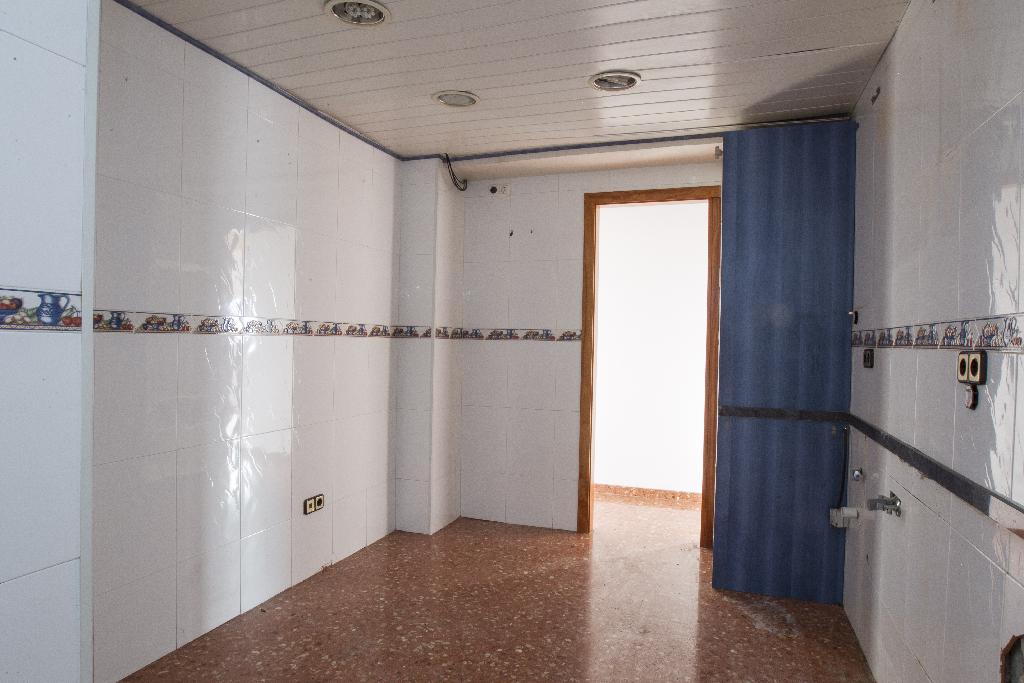 Piso en venta en Sant Pere I Sant Pau, Tarragona, Tarragona, Calle Sant Jordi, 80.500 €, 3 habitaciones, 2 baños, 146 m2