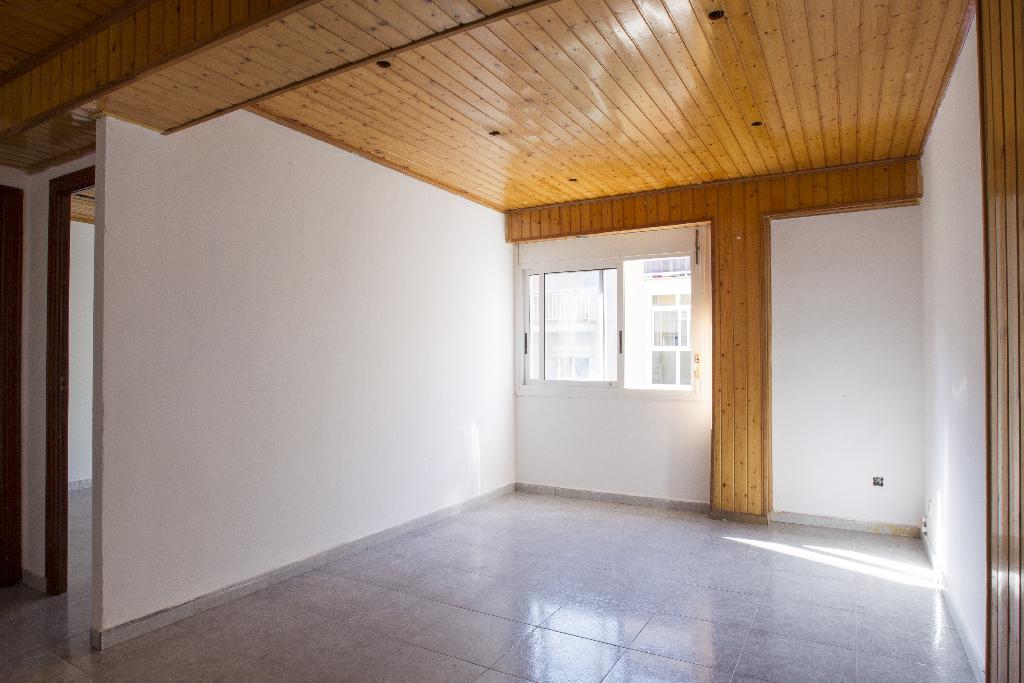 Piso en venta en Reus, Tarragona, Calle Vilaseca de Solcina, 29.000 €, 3 habitaciones, 1 baño, 59 m2