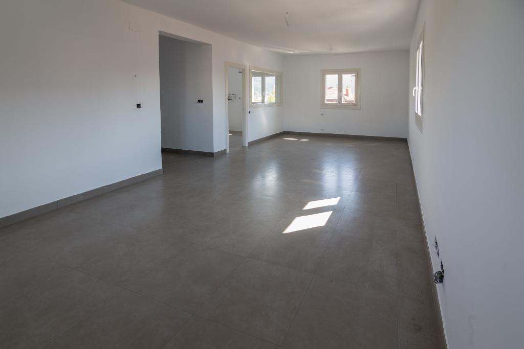 Piso en venta en Sondika, Vizcaya, Avenida Txori Erri, 130.000 €, 2 habitaciones, 1 baño, 96 m2