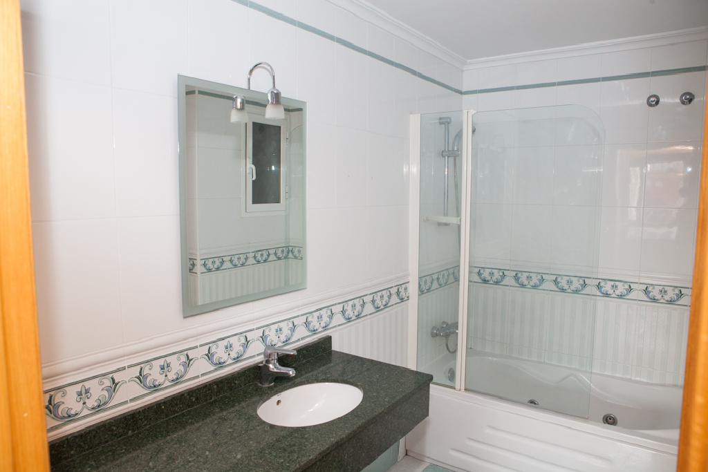 Piso en venta en Piso en Albacete, Albacete, 210.000 €, 4 habitaciones, 1 baño, 152 m2