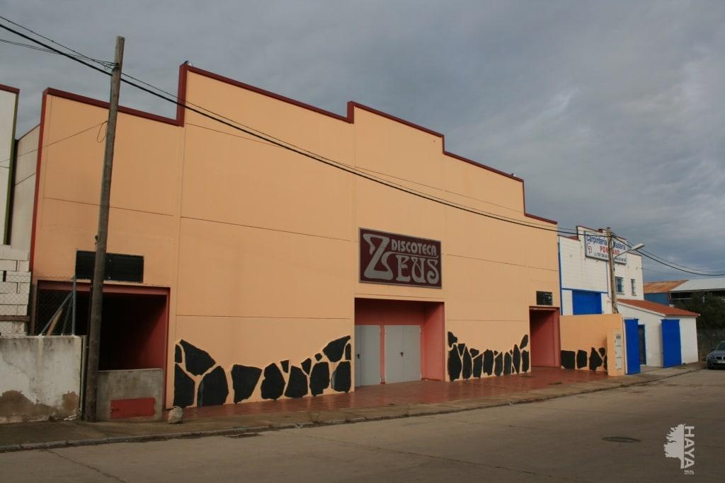 Industrial en venta en Valencia de Alcántara, Cáceres, Calle Cerro de San Francisco, 148.300 €, 698 m2