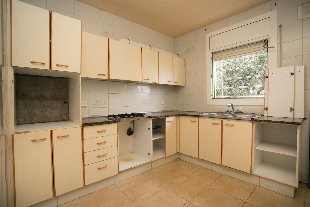 Casa en venta en Piera, Piera, Barcelona, Calle Mar, 125.000 €, 5 habitaciones, 2 baños, 150 m2
