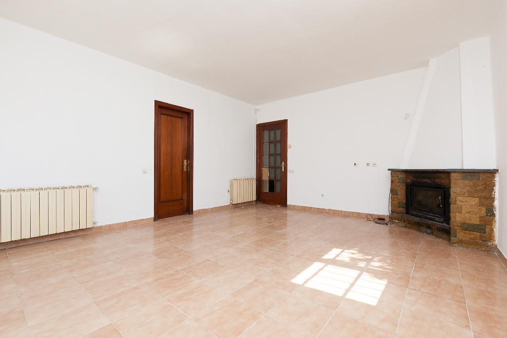 Casa en venta en Collbató, Barcelona, Avenida Montserrat, 237.000 €, 5 habitaciones, 2 baños, 216 m2