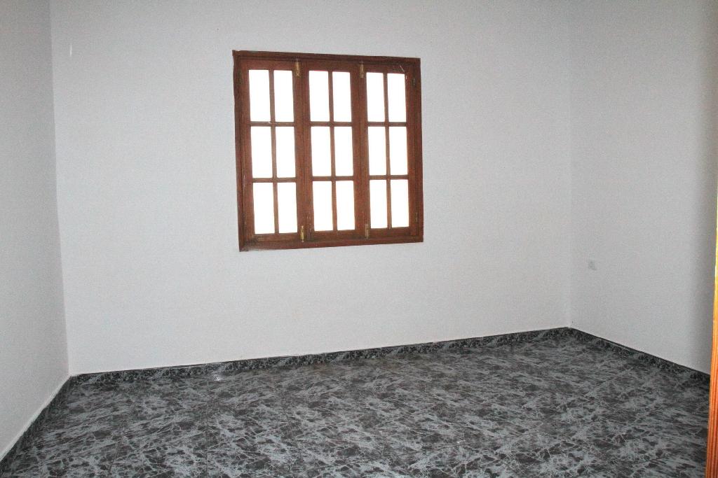 Piso en venta en Puerto del Rosario, Las Palmas, Calle Pizarro, 50.000 €, 2 habitaciones, 1 baño, 82 m2
