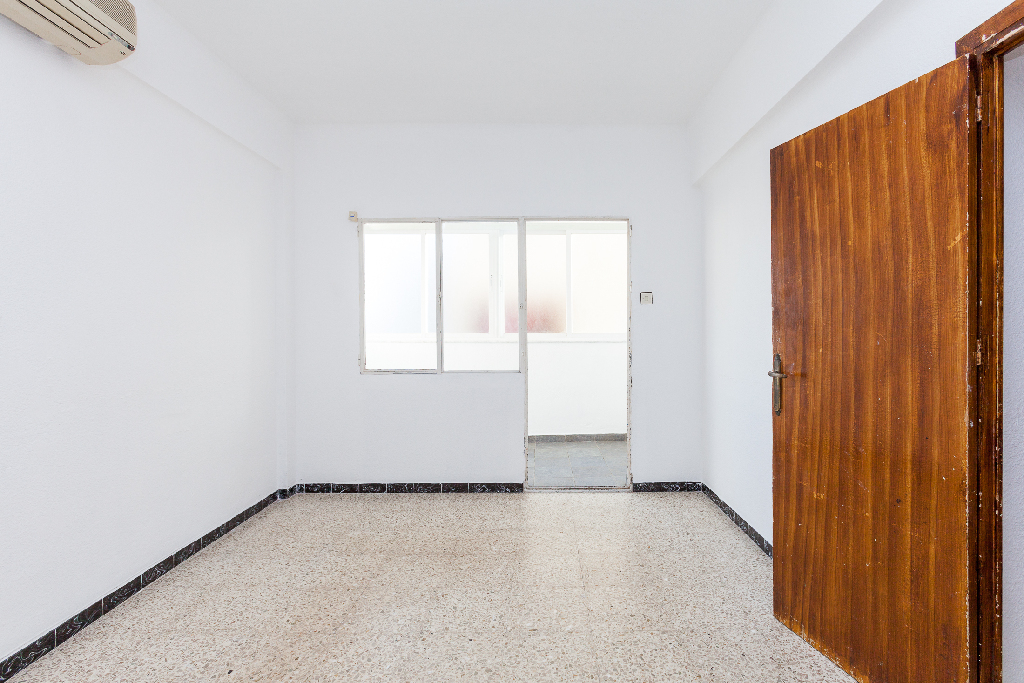 Piso en venta en El Ejido, Almería, Calle Maestro Jose Ruiz, 37.000 €, 3 habitaciones, 1 baño, 80 m2