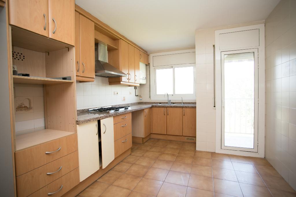 Piso en venta en Tordera, Barcelona, Calle Cami Ral, 79.000 €, 3 habitaciones, 1 baño, 101 m2