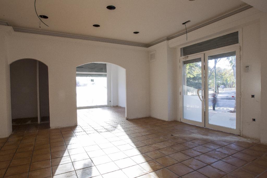 Local en venta en Tarragona, Tarragona, Avenida Paisos Catalans, 75.000 €, 101 m2