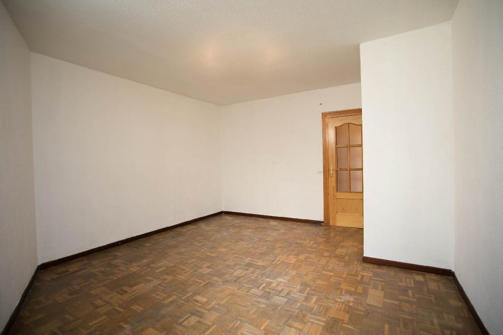 Piso en venta en Ávila, Ávila, Calle Francisco Gallego, 77.000 €, 3 habitaciones, 1 baño, 103 m2