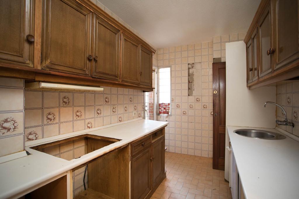Piso en venta en Ávila, Ávila, Calle Francisco Gallego, 62.000 €, 3 habitaciones, 1 baño, 103 m2