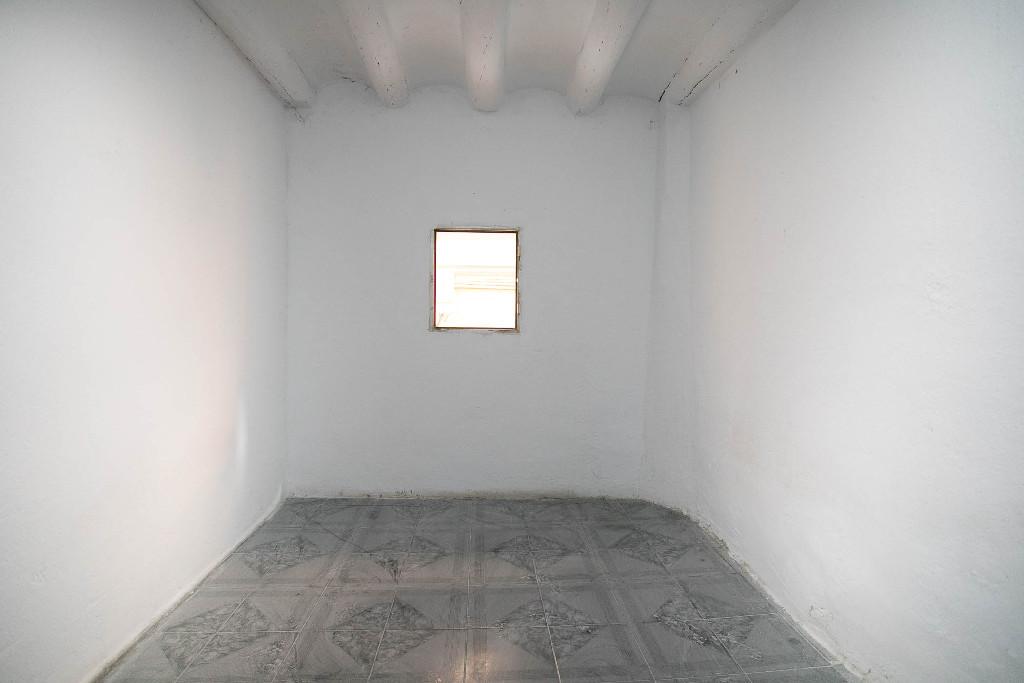 Piso en venta en Piso en Zaragoza, Zaragoza, 50.000 €, 3 habitaciones, 1 baño, 76 m2