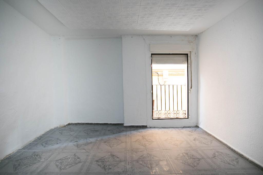 Piso en venta en Zaragoza, Zaragoza, Calle Barrioverde, 66.000 €, 3 habitaciones, 1 baño, 76 m2